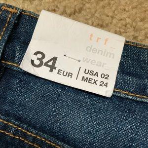 Zara Jeans - Zara embroidered Jeans